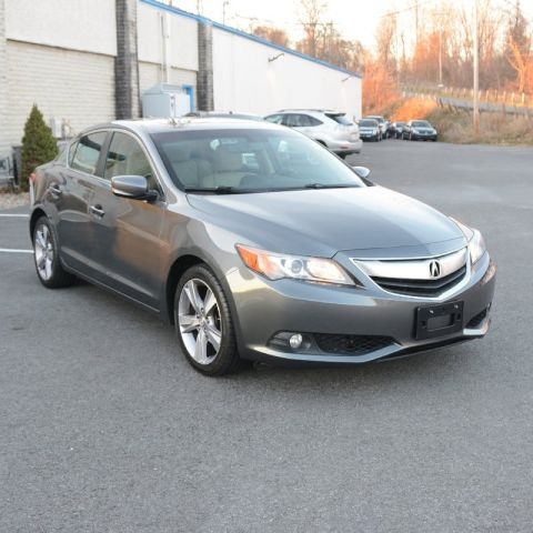 Pre-Owned 2013 Acura ILX Tech Pkg With Navigation