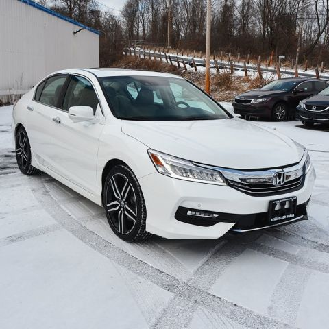 Pre-Owned 2016 Honda Accord Sedan Touring With Navigation