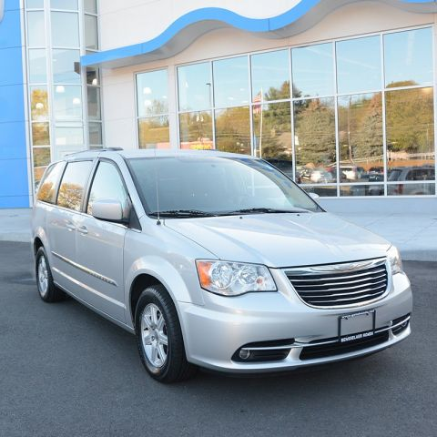 Pre-Owned 2012 Chrysler Town & Country Touring FWD Mini-van, Passenger